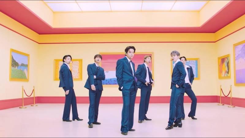 Участники южнокорейской группы BTS были включены в Книгу рекордов Гиннесса