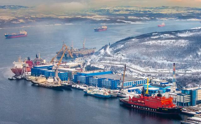 Морской путь через Суэцкий канал в Россию предлагают заменить на Северный