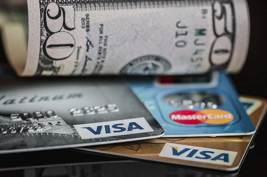Новая схема обмана: мошенники маскируются под Госуслуги