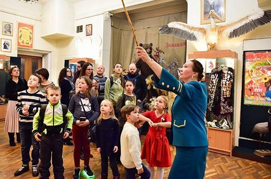 В России хотят запретить иностранцам работать гидами