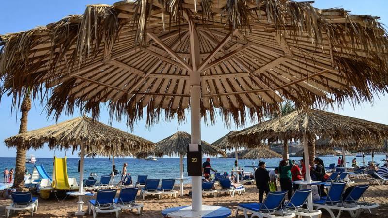 Россия возобновляет авиасообщение с курортами Египта
