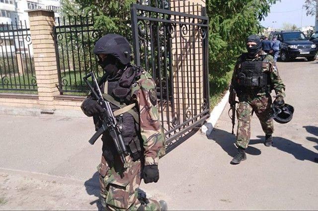 Дети, выпрыгнувшие с третьего этажа школы во время стрельбы в Казани, не выжили