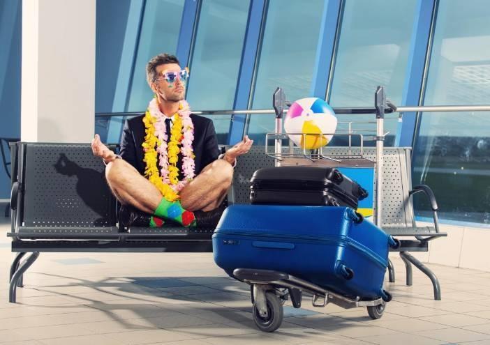 Стало известно, за какую зарплату россияне готовы не ездить в отпуск