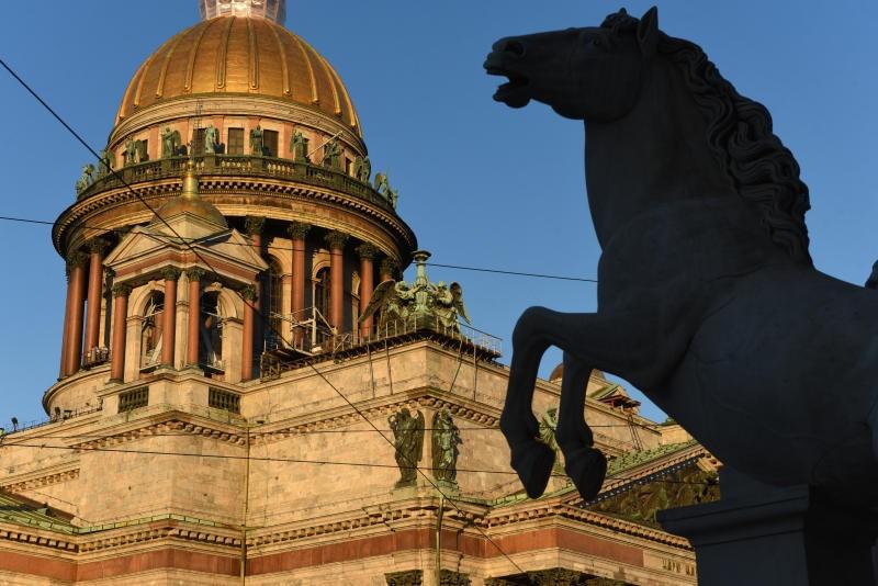 Из-за коронавируса в Санкт-Петербурге с 17 июня вводят дополнительные ограничения