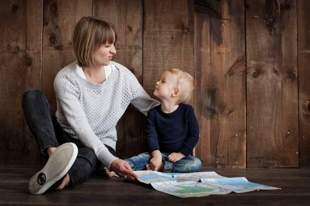 Выплаты одиноким матерям: какие положены и зависят ли они от доходов