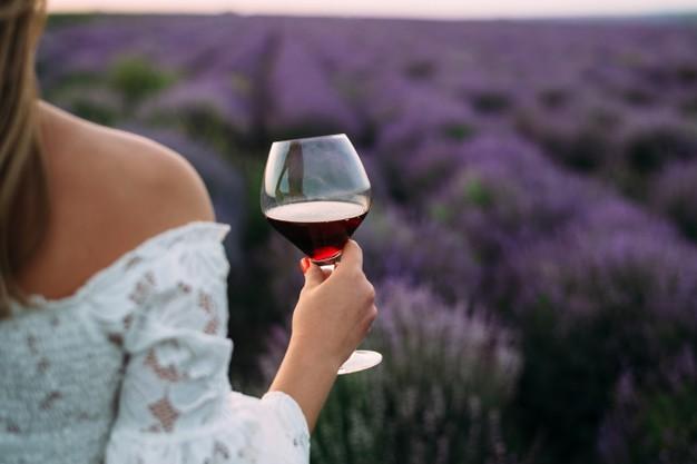 В РФ официально будет введен запрет на продажу алкоголя на День молодежи 27 июня 2021 года