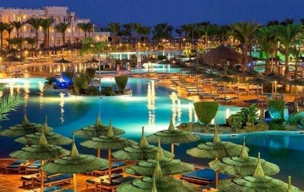 Открытие египетских курортов для россиян связали с экономикой