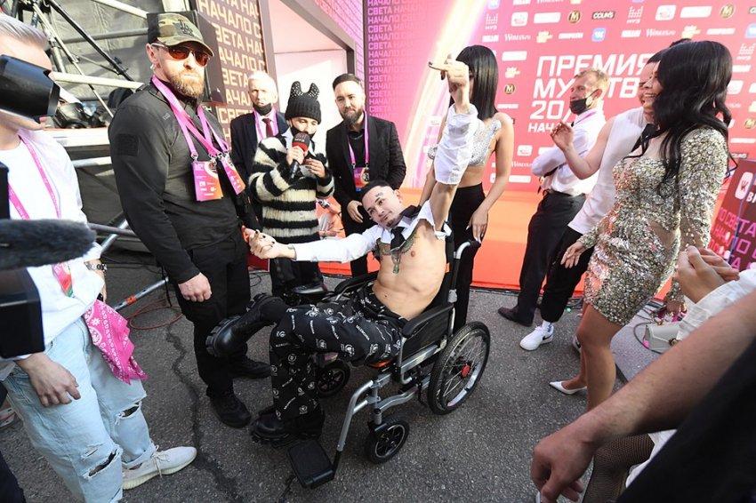 Моргенштерн заявился на Премию «Муз-ТВ» в инвалидной коляске