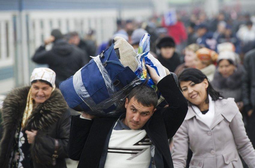 Голодные мигранты и горящая больница: что случилось в России и мире 25 июня 2021 года
