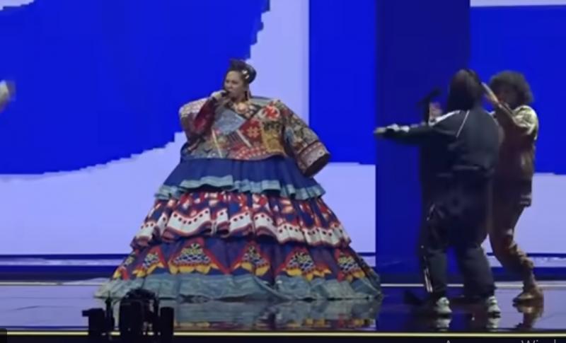 Почему клип на песню «Russian Woman» певицы Манижи вызвал столько негатива в России