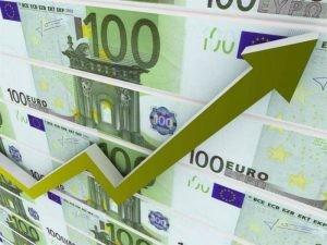 Аналитик рассказал, почему в России растет курс евро
