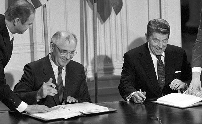 В Русской газете вышла статья Михаила Горбачева об угрозах гонки вооружений