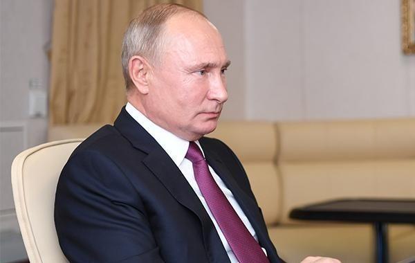 Путин предложил выплатить военнослужащим и сотрудникам МВД по 15 тысяч рублей