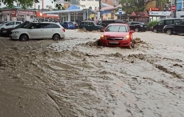Популярный у туристов поселок Витязево в очередной раз затопило