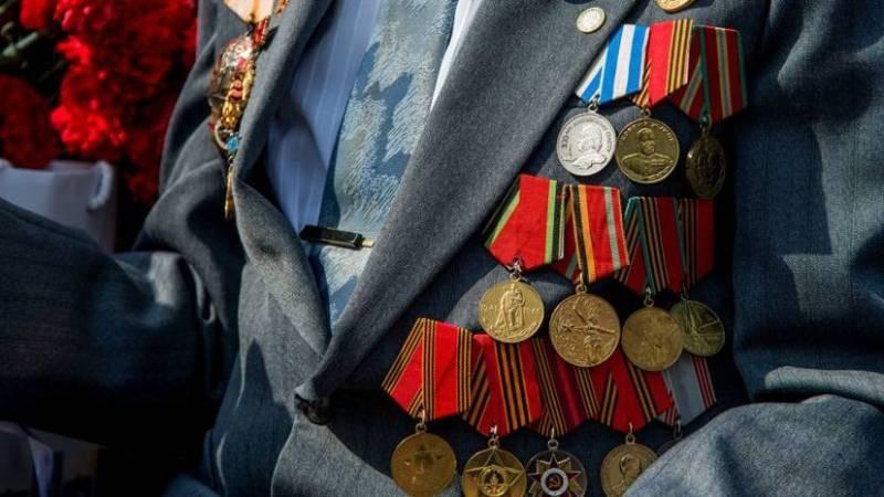 В честь юбилея битвы за Москву в столице ветеранам выплатят по 40 тыс. рублей