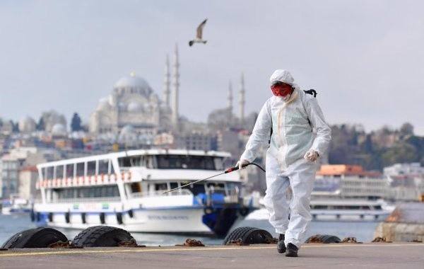 В Турции количество заражений коронавирусом за сутки дошло до майского максимума