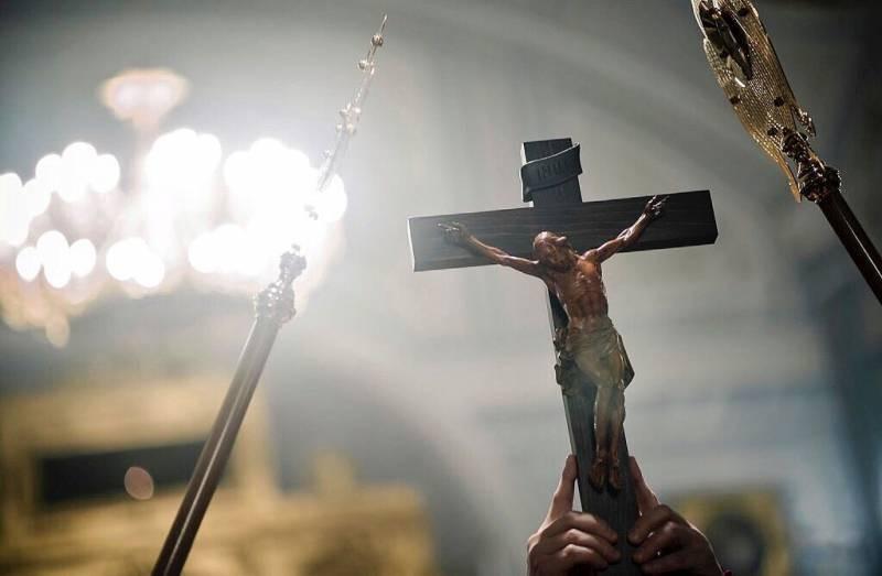 История и приметы праздника Воздвижение Креста Господня, которым следуют для сохранения благополучия