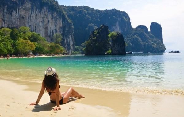 Таиланд перенес открытие Бангкока для туристов без прохождения карантина