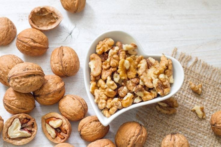 Польза и вред грецкого ореха для мужчин после 50 лет