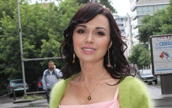 Актрису Анастасию Заворотнюк упорно скрывают от окружающих